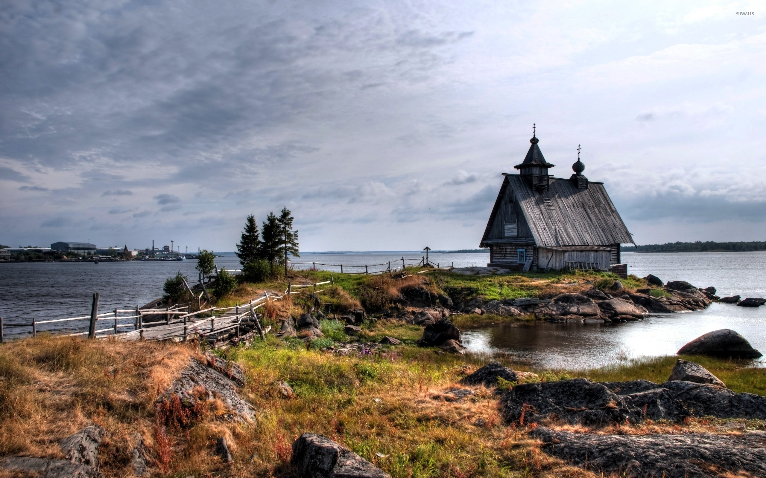 Old-Small-House-On-The-Rocky-River-Shore-51339-2560×1600-Wallpaper