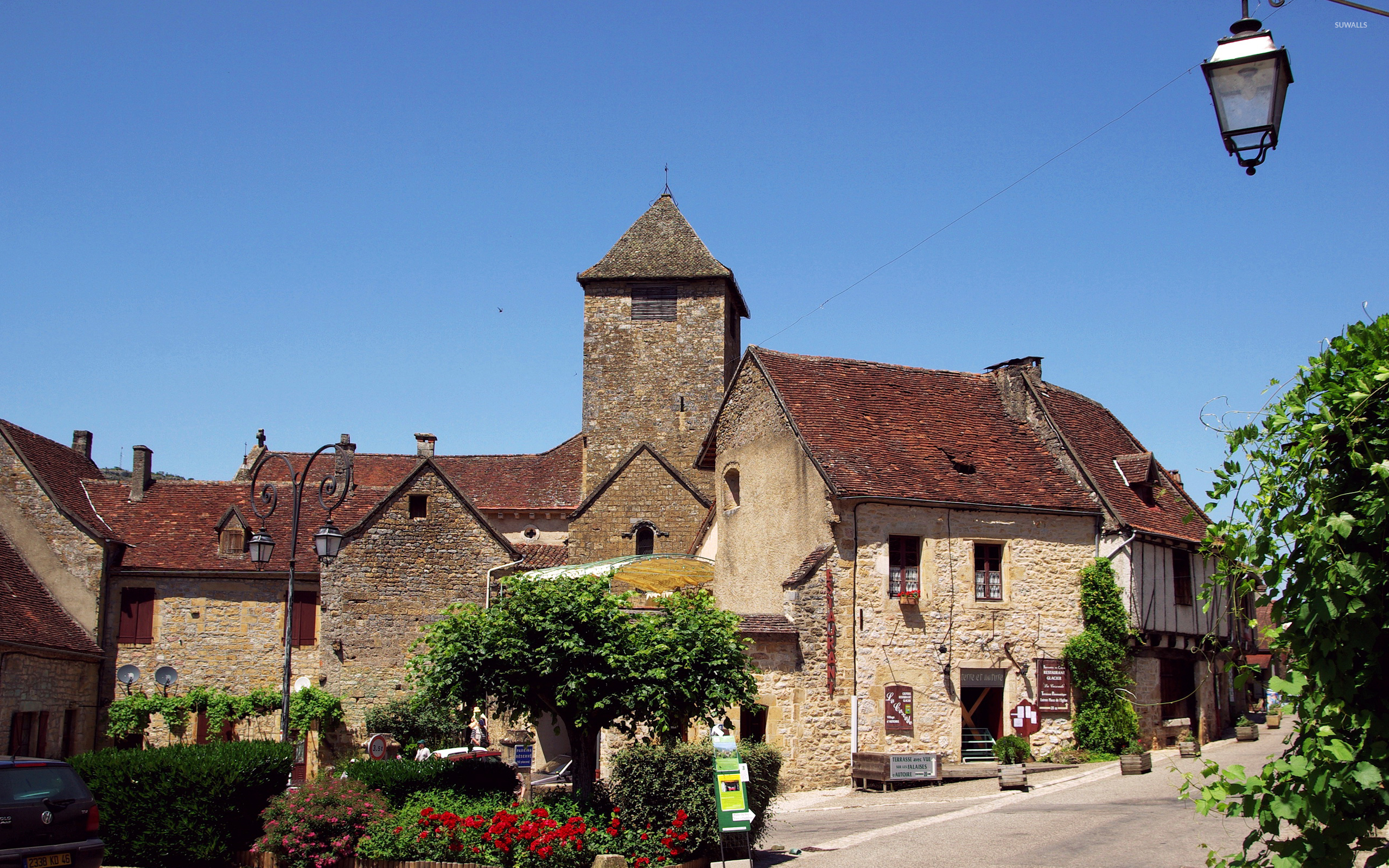 Old-Small-Town-In-France-53043-2560×1600-Wallpaper