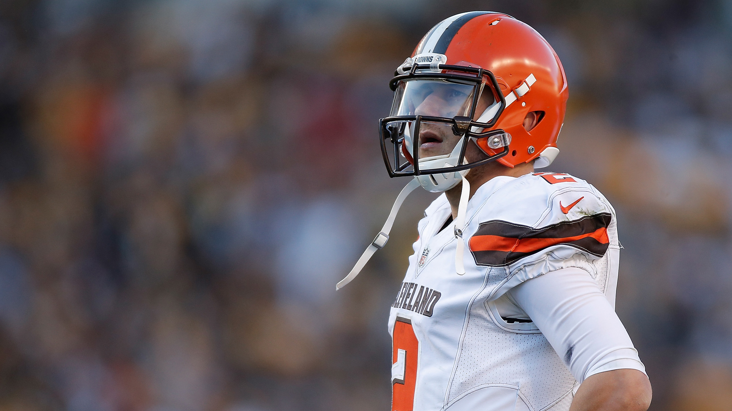 Download American Football Cleveland Browns Player Johnny Manziel With Blur Background Of Audience Hd Cleveland Browns